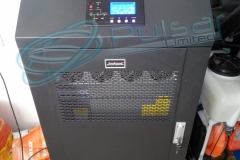 On-Line ИБП EverExceed/INVT PW15L в закрытом виде.